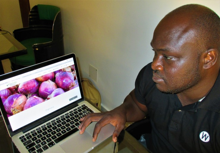 Peeling of the Onions of Senegal: Crowdfunding