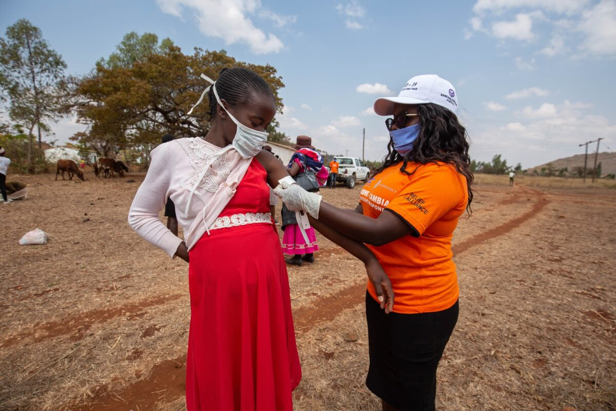 Aid in Zambia and Zimbabwe